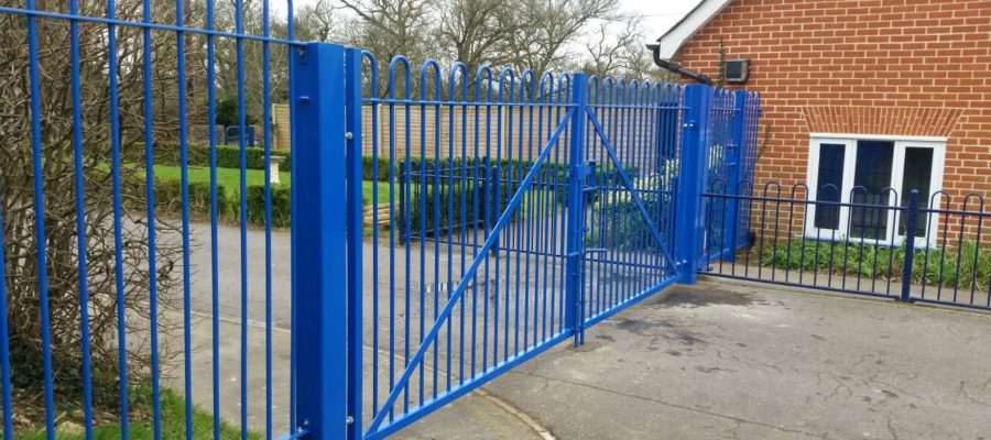 Bow top railing double gates Blue (2)
