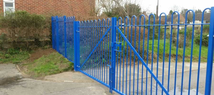Bow top railing double gates blue