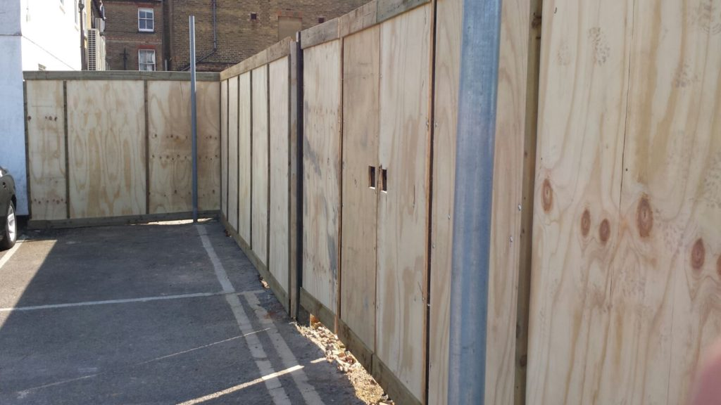 Hoarding Lemon Fencing Fencing In Essex Garden