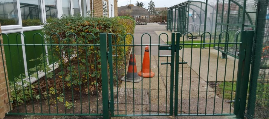 bow top railing gates