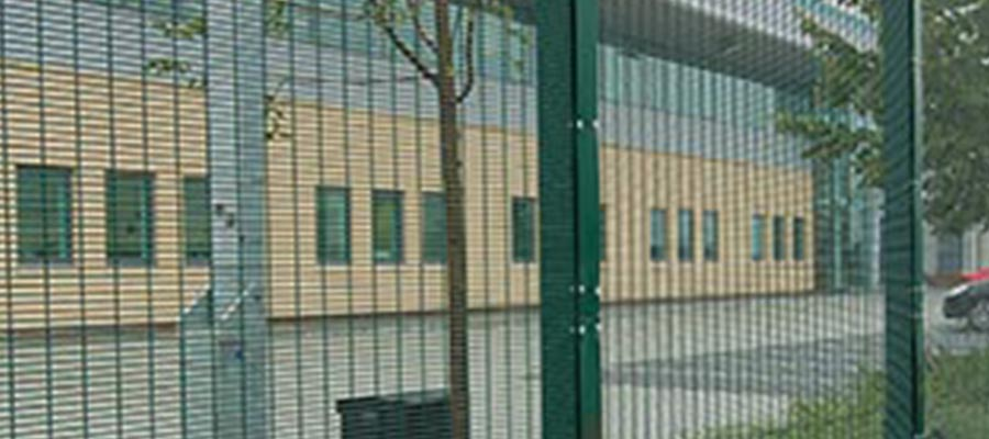 Mesh 358 fencing Green (1) 900x400
