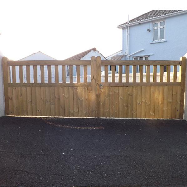 cottage entrance gate