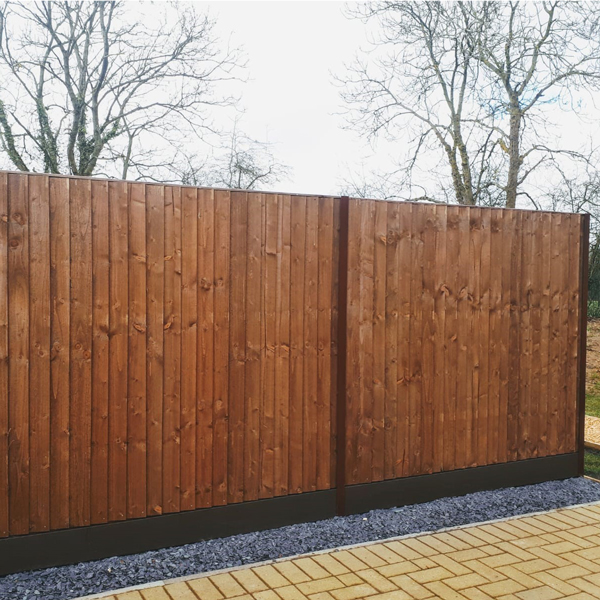 Feather edge fencing durapost