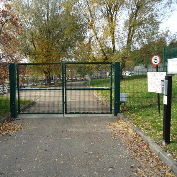 Protek 1000 double gates
